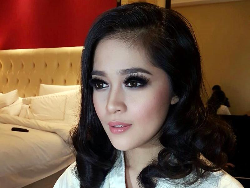 Trik Gracia Indri Lakukan Sulam Alis.2