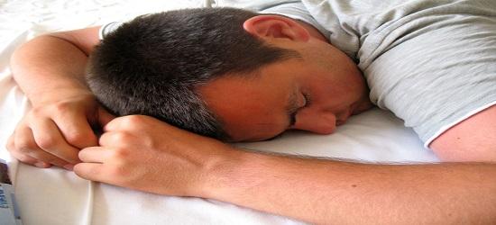 3 Dampak Buruk Tidur Setelah Sahur Bagi Kesehatan