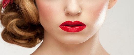 Menjaga Kesehatan Bibir