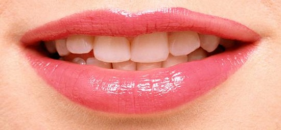 5 Warna Produk Bibir yang Wajib Dimiliki Wanita