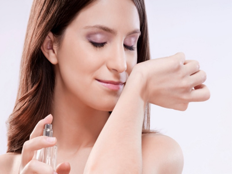 Inilah 5 Cara Tepat Menggunakan Parfum