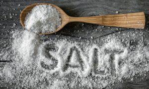 Banyak makan garam bikin tulang rapuh