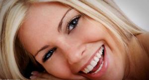 Cara Cepat Memutihkan Gigi