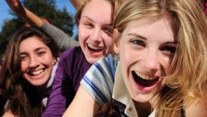 Perawatan Wajah Alami Untuk Kecantikan Remaja