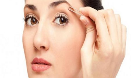 Cara Melakukan Perawatan Wajah Terbaik Dengan Membentuk Alis