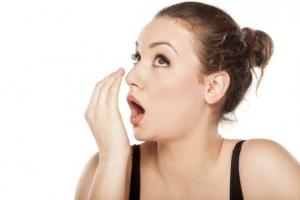 Tak Cuma Perawatan Wajah Terbaik, Bau Mulut Juga Mempengaruhi