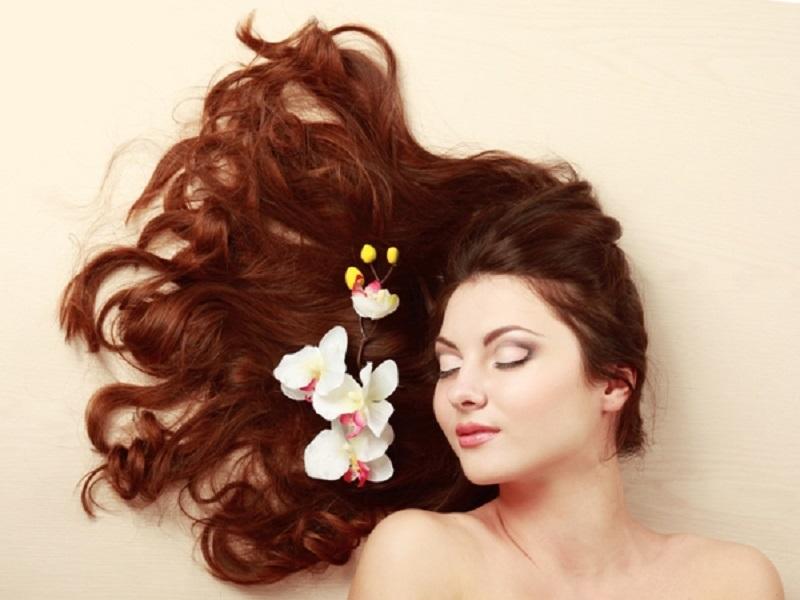 10 Tips Mengatasi Ketombe dengan Perawatan Hair Spa