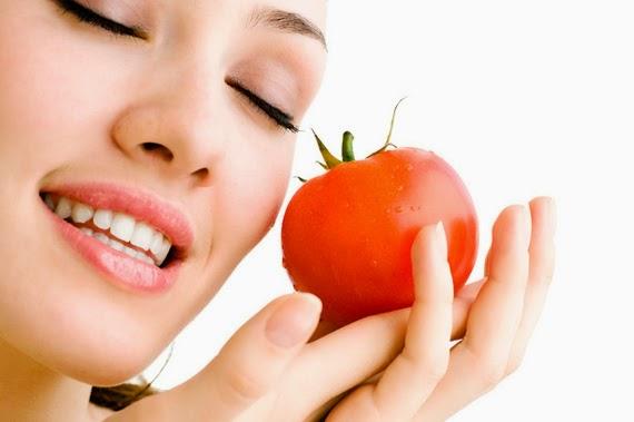 4 Cara Memanfaatkan Tomat Untuk Perawatan Kulit Wajah