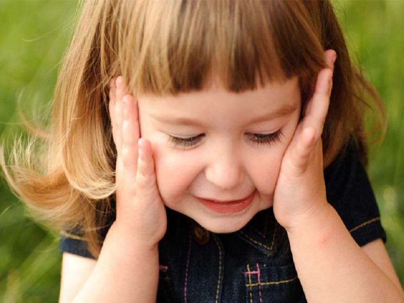 Hal-Hal Penting yang Perlu Diketahui Orang Tua Saat Meninggalkan Anak Sendirian di Rumah
