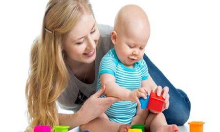 4 Cara Melatih Kecerdasan Anak Sejak Usia Bayi