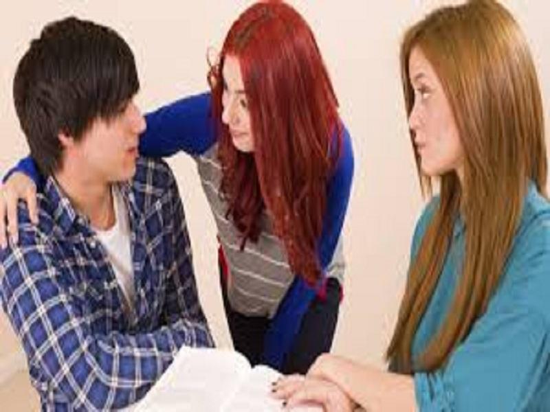 5 Peraturan Krusial Yang Harus Kamu Ketahui Ketika Berpacaran Dengan Mantan Temanmu
