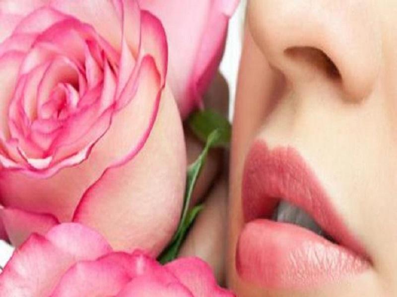 Bibir Merah Merona Alami Tanpa Lipstik