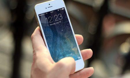 Jombloers. Secara Sadar Atau Tidak, Smartphone Sudah Menjadi Kekasih Kamu Lho