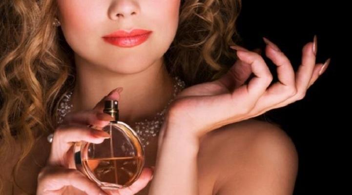 ips Menggunakan Parfum yang Tepat Bagi Tubuh