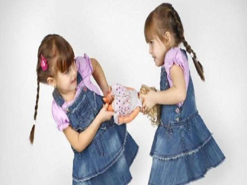 Tips Untuk Menghentikan Pertengkaran Kakak Beradik di Rumah