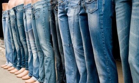 7 Tips Memakai Celana Jeans Biru Dengan Cara Yang Elegan