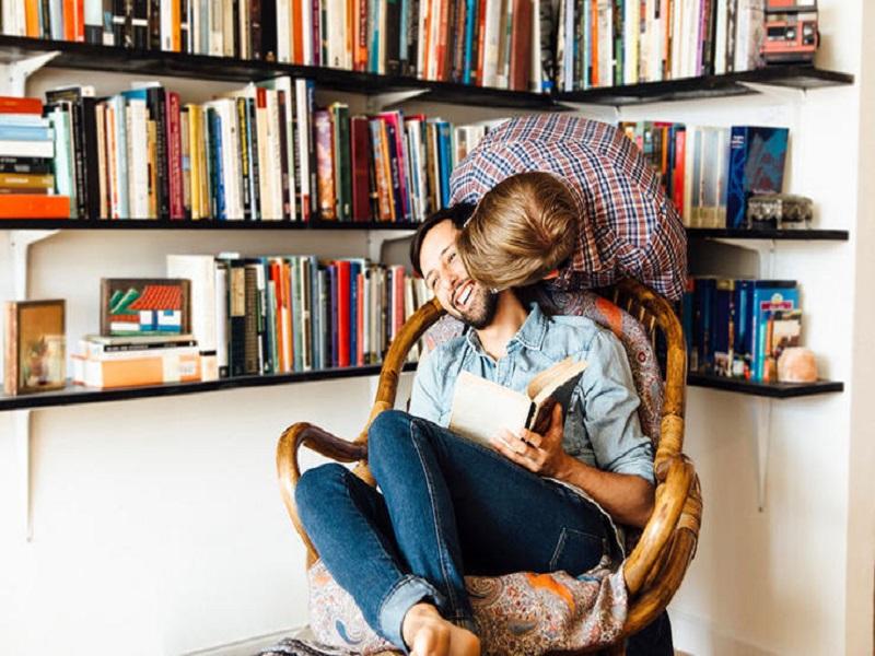 Hal Kecil Yang Bisa Anda Lakukan Untuk Membuat Pasangan Anda Merasa Dicintai