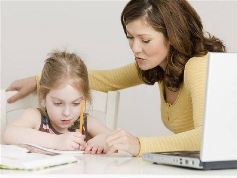Cara Orang Tua Membantu Anak Yang Masih Belajar Membaca di Rumah
