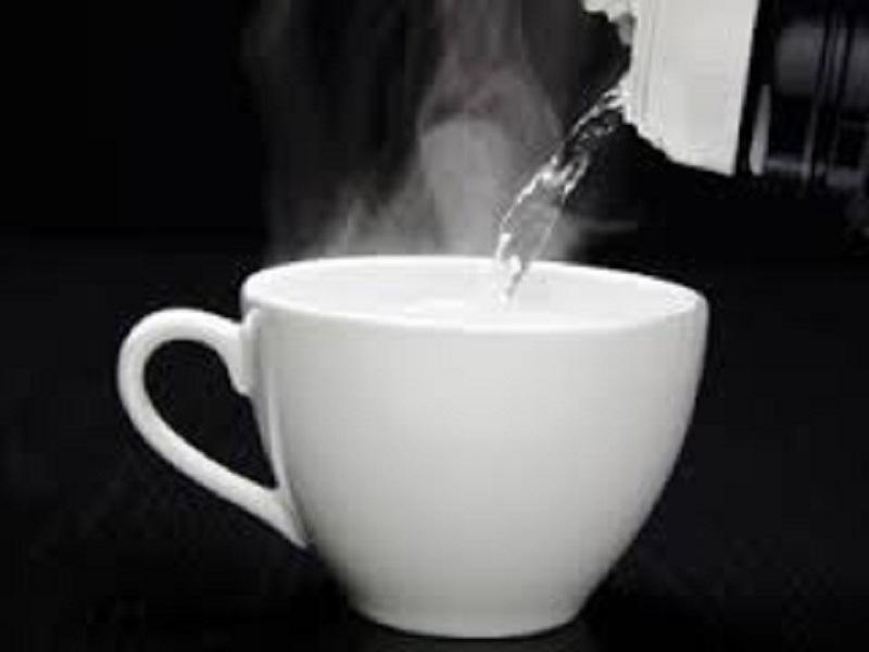 12 Keuntungan Yang Tidak Disadari Ketika Meminum Air Panas (Hangat-Hangat Kuku)