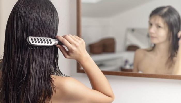5-fakta-seputar-menyisir-rambut-basah-setelah-keramas