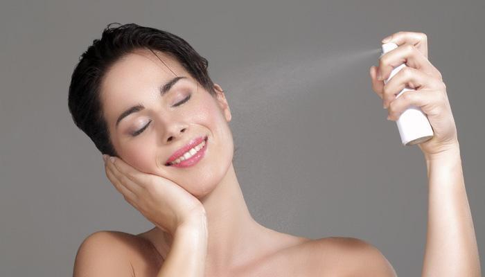 5-tips-menggunakan-face-spray-pada-wajah