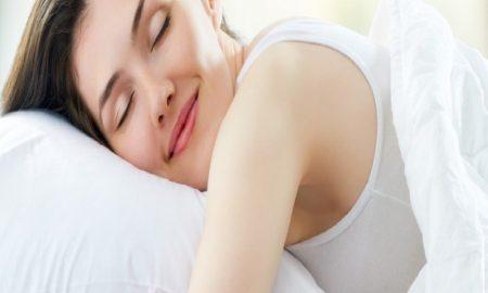 5 Tips Untuk Tetap Menjaga Pola Tidur Selama Menjadi Ibu Baru