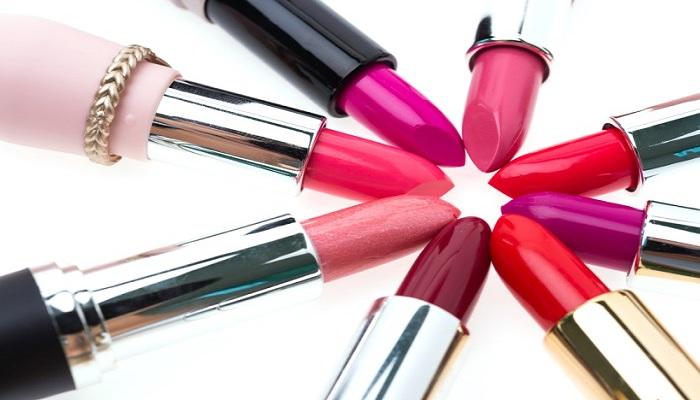 5-trik-agar-tidak-terjebak-lipstik-palsu-yang-membahayakan-bibir