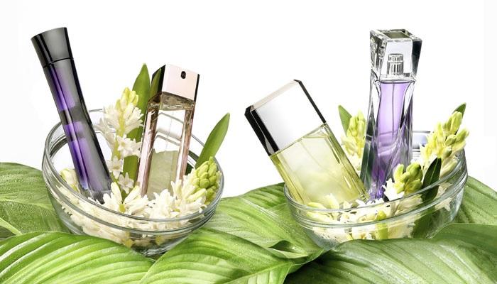 jenis-aroma-parfum-wanita-yang-menarik-perhatian-lawan-jenis
