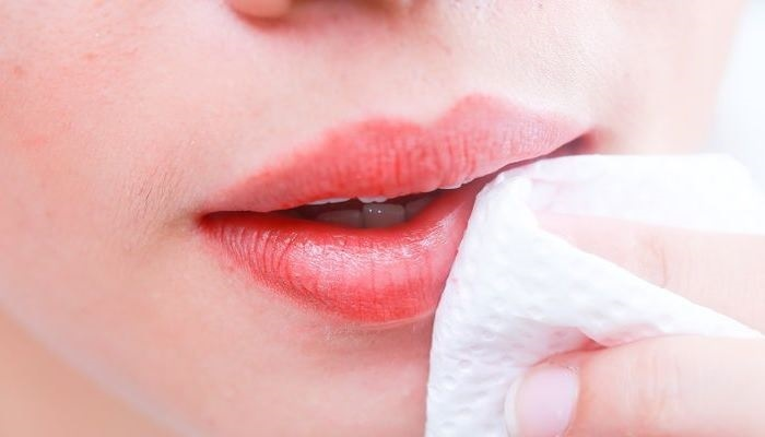 tips-membersihkan-lipstik-paling-mudah-dan-cepat
