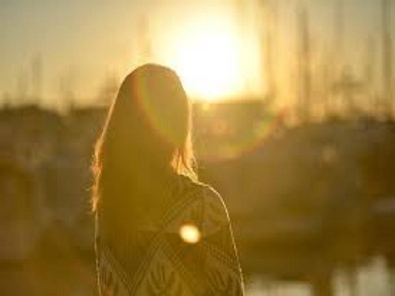 Tips Mencegah Efek Sinar Matahari untuk Wanita
