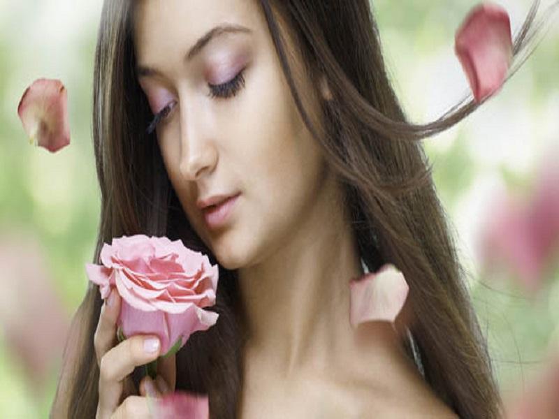 7 Alasan Mengapa Wanita Menyukai Bunga
