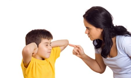 Kalimat-Kalimat yang Perlu Dihindari Sebagai Orang Tua