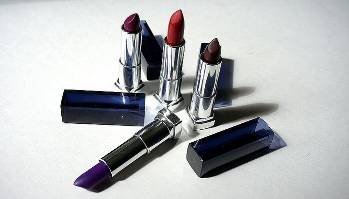 langkah-mudah-memoles-lipstik-metalik-agar-bibir-terlihat-berbeda