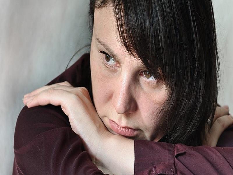 Mengatasi Depresi dan Stress ,Cara Membantu Teman atau Orang yang Anda Sayangi Melalui Masa Depresinya