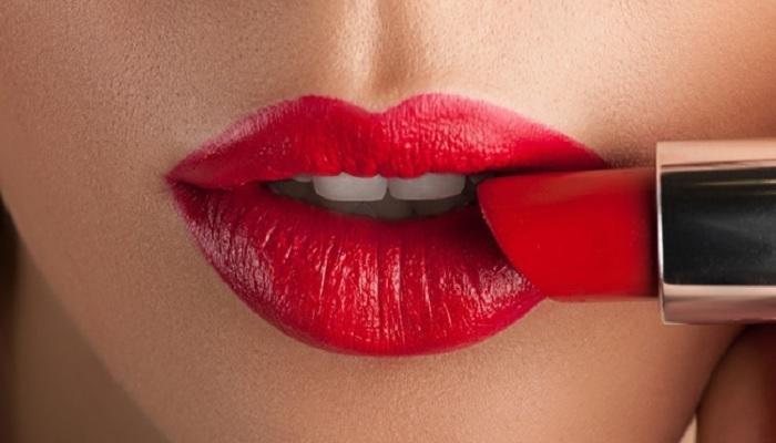 tips-agar-lipstik-tahan-24jam