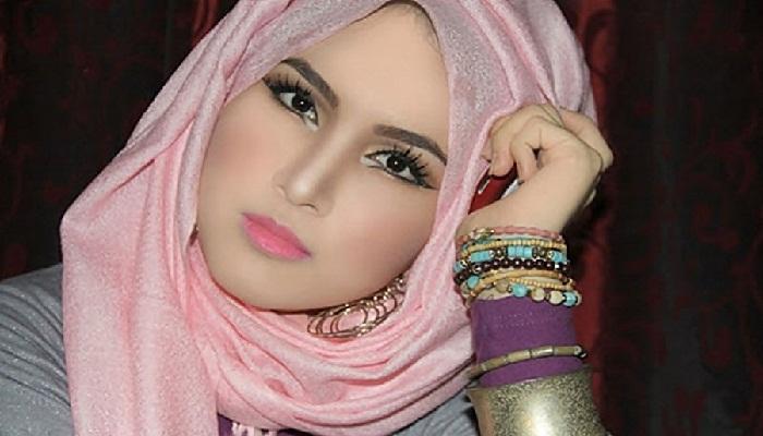 Panduan Makeup Wanita Berhijab