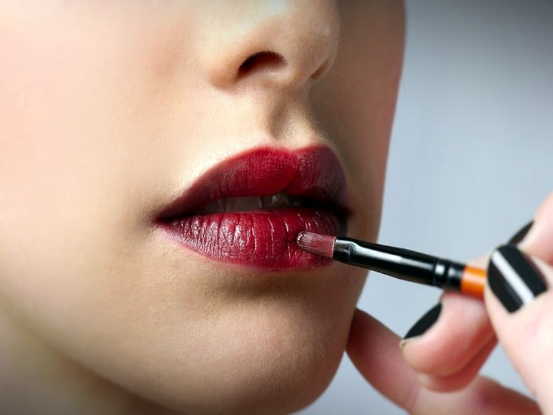 Tips Make Up Bibir Layered Lips