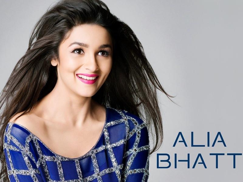 Alia Bhatt, Si Cantik Berbibir Seksi