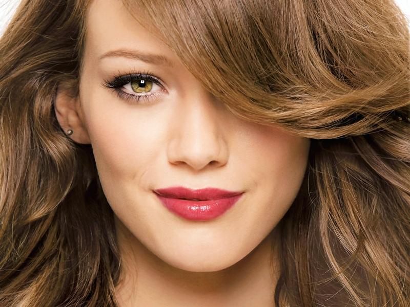 Bibir Natural Dengan Lipstik Matte