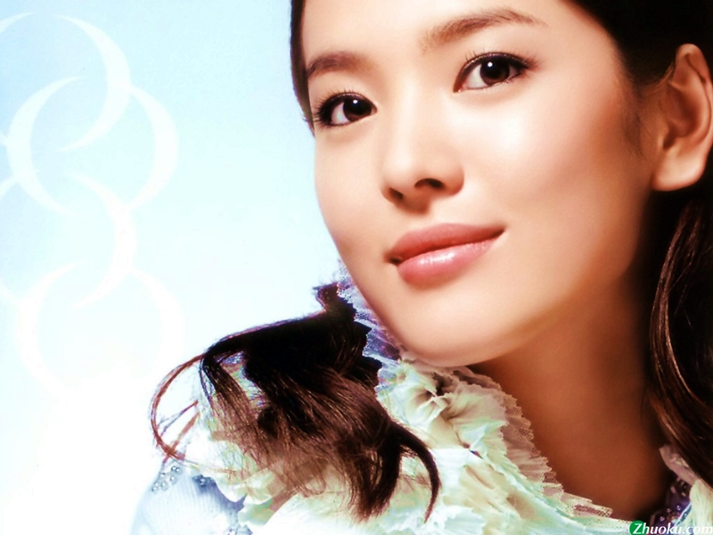 Buat Bibir Tebal Ala Song Hye Kyo.2