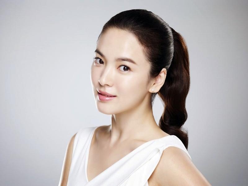 Buat Bibir Tebal Ala Song Hye Kyo