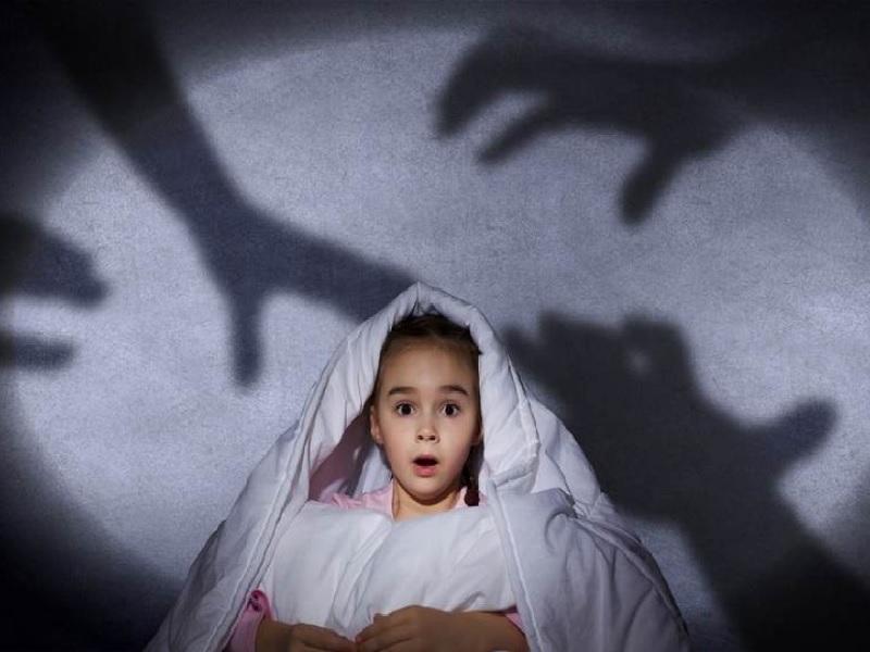 Cara Orang Tua Mengatasi Takut Gelap Pada Anak