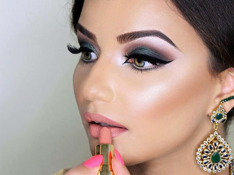 Fakta Seputar Bahaya Memakai Lipstik