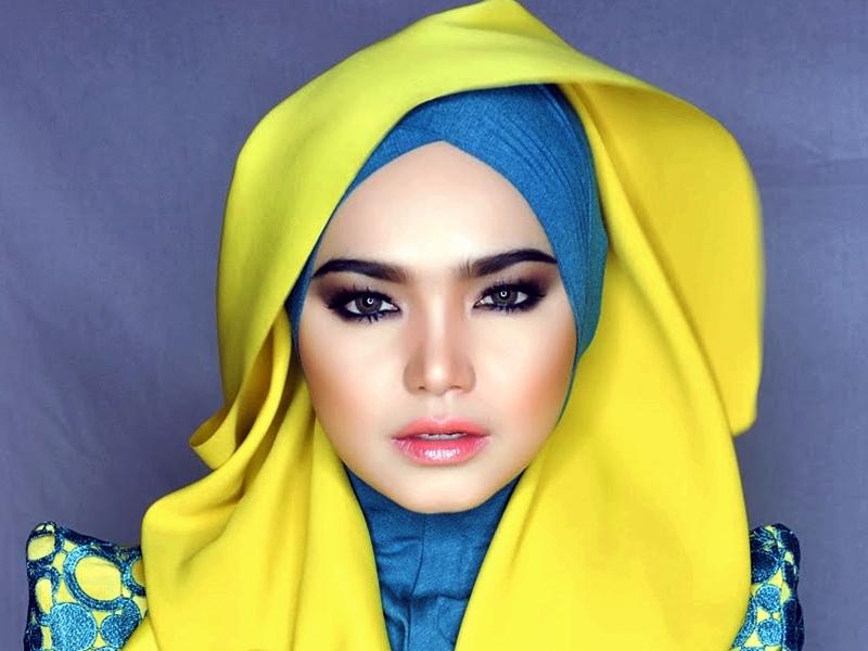 Gaya Make Up Bibir Untuk Muslimah