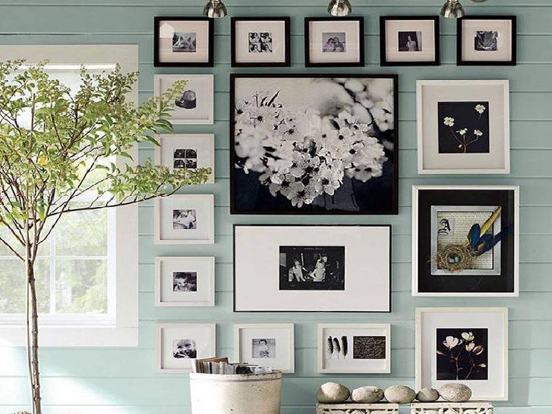 Inspirasi Tata Letak Bingkai Foto Dinding Rumah Anda
