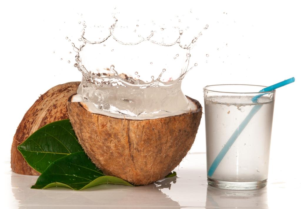 Manfaat Air Kelapa Untuk Kecantikan