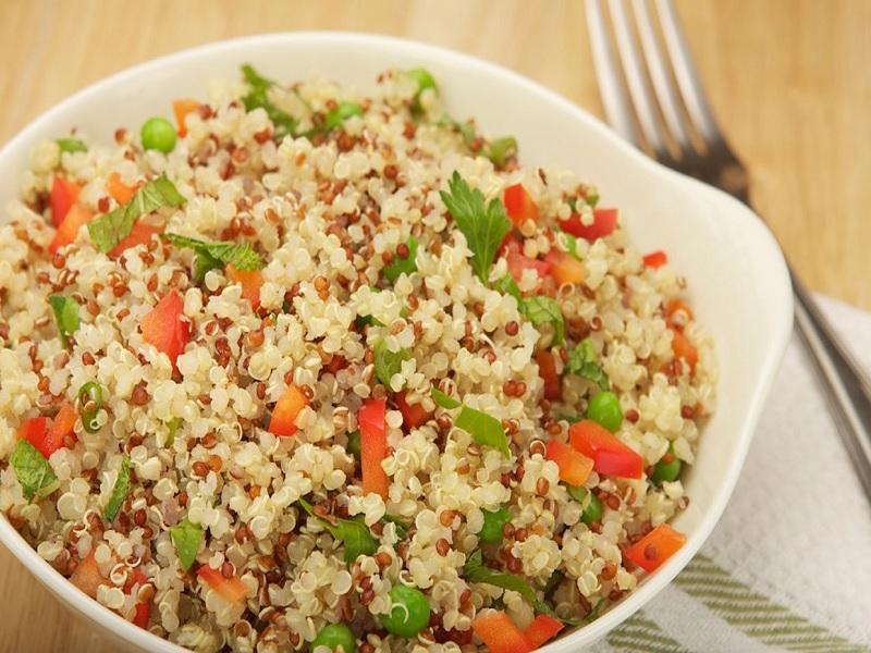 Mengapa Mulai Sekarang Harus Sering Makan Quinoa