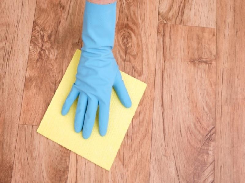 Trik Membersihkan Lantai Sesuai Dengan Materialnya