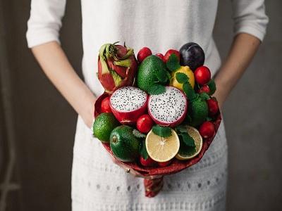 buket dari buah dan sayuran yang menyehatkan