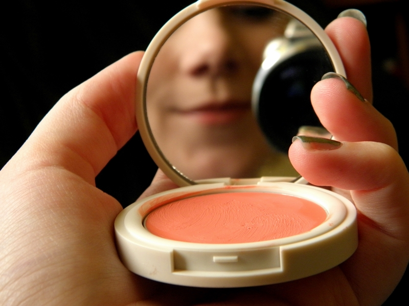 Warna Cream Blush Pilihan Selebritis